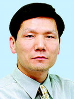 [데스크시각] 전달하지 못한 윤이상 공로패 /박창희
