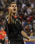 [남아공 월드컵 축구] 클로제, 위업 달성 앞두고 `눈물`
