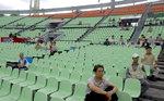 `자린고비` 구단, 팬들 열정을 벤치마킹하라