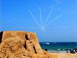 은빛 모래… 푸른바다… 환상의 에어쇼