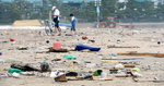 태풍 지나간 광안리해수욕장 '쓰레기 바다'
