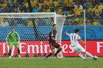 월드컵 최악의 실수는 이근호 슛 흘린 러시아 GK 아킨페예프