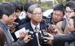 '성희롱 의혹' 최몽룡 교수 국정교과서 집필진 사퇴
