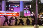 미국 흑인시위 막던 경찰 5명 피격 사망