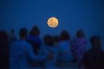 궂은 날씨 아쉬웠던 슈퍼문...내달에는 쌍둥이자리 유성우 우주쇼