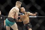 UFC 2체급 챔피언 맥그리거, 메이웨더와 복싱 대결 UFC 계약 걸림돌