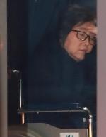 """""""아프다, 바쁘다""""... 버티던 최순실 결국 체포영장 발부... 소환 시기는?"""