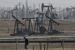 국제유가 하락 마감...미국 원유채굴장치 가동 급증