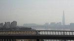 '포근한 날씨'에 '짙은 미세먼지'…뿌옇게 흐려진 월드타워