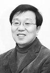[데스크시각] 부산 출신 문재인·안철수…'캐스팅보트' PK 표심은 /신수건