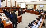 """박근혜 측 """"추론으로 기소…'돈봉투 만찬'도 뇌물죄"""" 검찰 공격"""