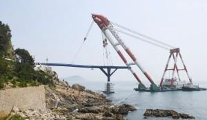 [영상] 해운대 청사포 전망대 상판 설치...다음 달 말 개방'
