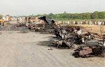 파키스탄서 유조차 전복…기름 챙기던 140명 화재로 사망