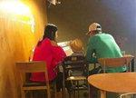 '둘째 임신' 전지현, 남편 아들과 행복한 모습 '일상 뒷태도 청순 그 자체'