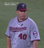류현진, 바톨로 콜론 상대 '희생번트' 성공, MLB 최고령 투수