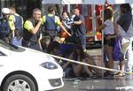 스페인 연쇄 차량 돌진 테러…14명 사망·100여 명 부상
