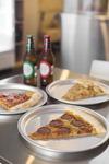 짭쪼름 미국 피자, 쌉싸름 맥주 한모금…뉴욕감성 '피맥' 완성