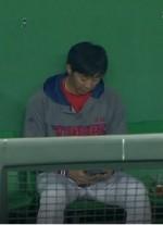 임창용 전자기기 사용 문제 보니 '경기중 스마트폰 사용'에도 無 처벌