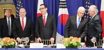 미국, 북한과 합법거래 개인까지 제재…최고 수준 돈줄죄기