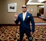 """코너 맥그리거 '노터리어스' 기자회견서 """"UFC 지분 안 주면 복귀 안 해"""""""