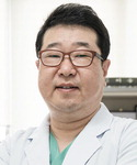 [진료실에서]  무지외반증 방치하면 허리통증 유발
