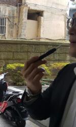 '아이코스 열풍' 전자담배 쑥↑ - 일반담배 훅↓