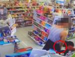 [영상] 부산 편의점 CCTV 공개...분신男 실수 가능성↑