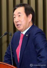 김성태 원내대표 숙제 산더미...반홍 극복, 복당파 유입, 최경환 체포 처리