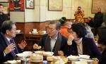 중국에도 '이니템' 뜬다… 中식당에 '문재인 세트' 등장