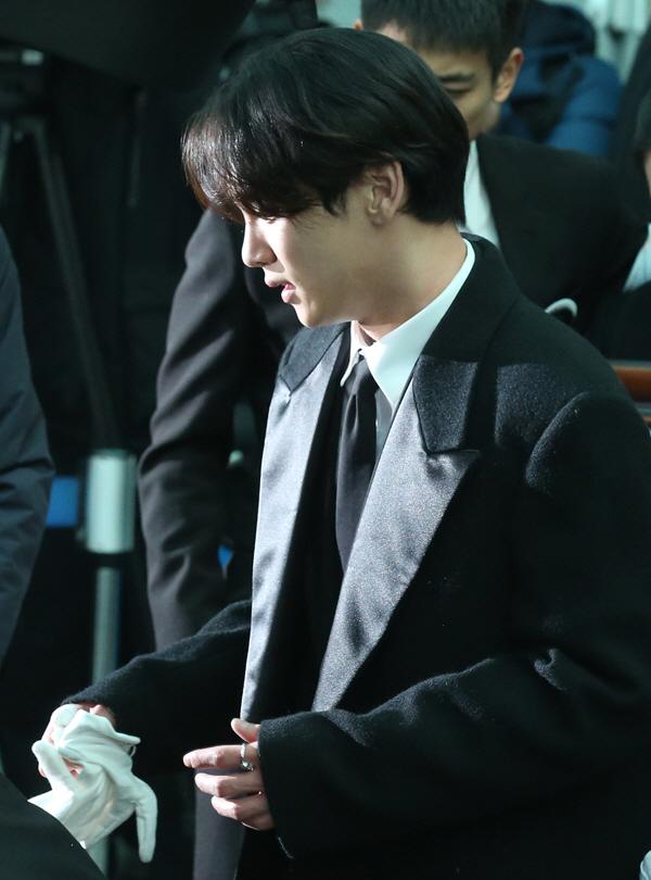 【2017 12 18】【明星】shinee钟铉(金钟铉)18日自杀身亡 终年27岁韩流星闻区韩剧社区