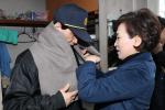 최저임금에도 고용유지한 아파트 방문한 김 장관, 상생 강조