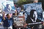 '마틴 루서 킹 목사의 날'…미국 반트럼프 시위 물결