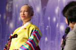 AI로봇 소피아 한국 방문 '로봇 인간 돕기 위해 디자인됐다'