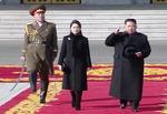 북한 열병식 기존 ICBM 대거 동원…평창 의식 수위조절
