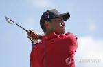 타이거 우즈, PGA서 1타 뒤진 공동 2위...4년 7개월 만의 왕좌 복귀?