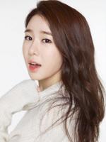 유인나, tvN '선다방' 홍일점 카페지기로 출연…'로맨틱 소통'
