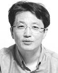 [데스크시각] 부산항과 노량대교 /이흥곤