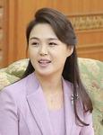 """북한 '존경하는 리설주 여사' 호칭…""""권력구조 진화 신호"""""""