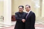 """김정은 만난 중국 왕이 """"한반도 평화위해 북과 협조 희망"""""""
