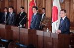 """""""북 비핵화 3국 협력"""" 文·리커창·아베, 판문점선언 지지"""