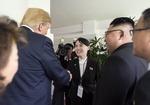직통번호 교환한 김정은-트럼프, 북미 '핫라인' 구축하나