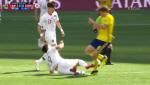 [축구 중계] 김신욱, 옐로카드 받았다…볼을 먼저 터치했는데