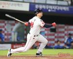 번즈 빵빵 터지니…롯데, KBO리그 월간 최다홈런 신기록