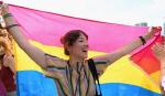 퀴어축제, '성윤리와 인권보호' VS '기존질서와 윤리를 해치는 행위' 팽팽히 대립