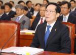 """송영무 연이은 말실수 """"마린온 유족 의전 흡족하지 못해 짜증"""""""