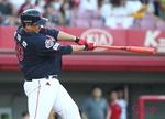 폭염보다 뜨거운 대포 전쟁…시즌 통산 홈런 신기록 예고