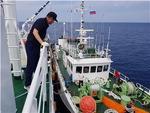 러시아 해역 채낚기 감독선 식수 위기…동해단, 35t 긴급 공급 조업 지원