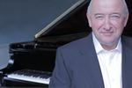 '피아노의 시인' 존 오코너, 부산의 한여름 물들인다