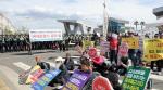 """제주 국제관함식 반대 시위 일부 강정마을 주민·시민단체 """"평화의 바다 아닌 갈등의 바다"""""""