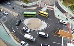 성급하게 설치한 회전교차로 '위험천만'
